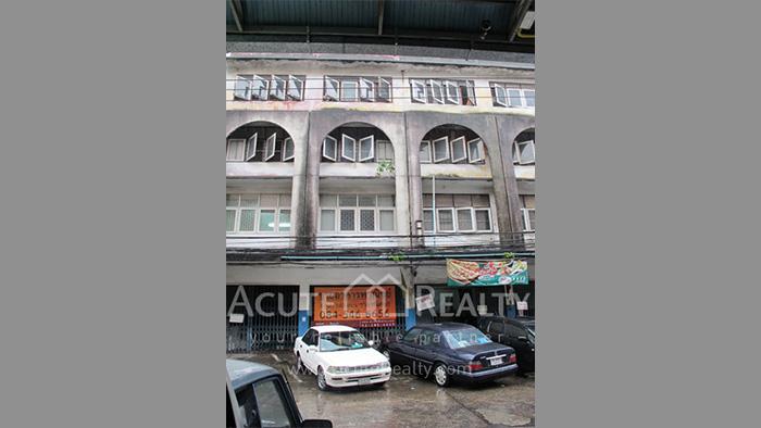 Shophouse  for sale Ramkamhang Soi 1 image1