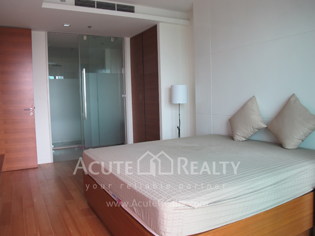 Condominium  for sale The River Charoennakorn image4