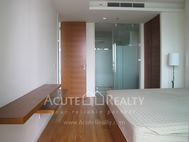 Condominium  for sale The River Charoennakorn image5