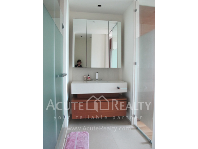Condominium  for sale The River Charoennakorn image7