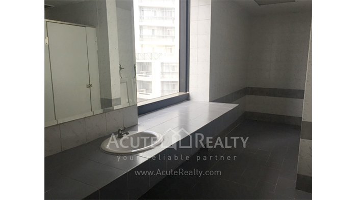 Office Space  for sale & for rent Sukhumvit 21, Asoke image7