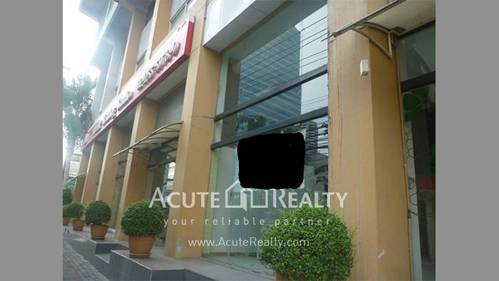 Showroom  for rent Petchaburi image0