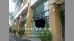 showroom-retail-for-rent