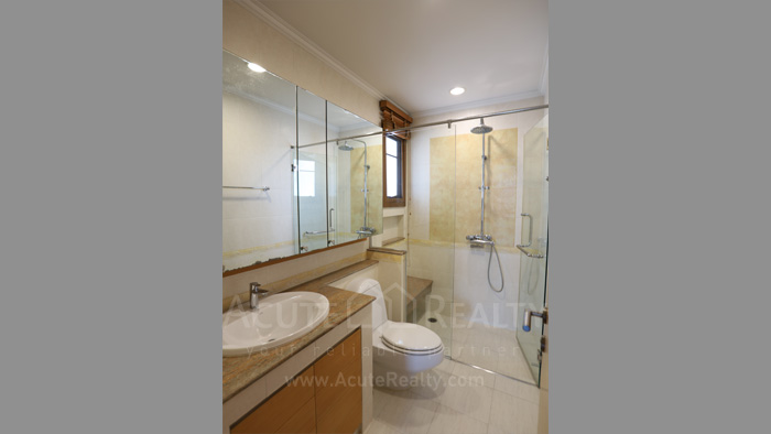 House  for sale & for rent Pattanakarn - Srinakarin image9