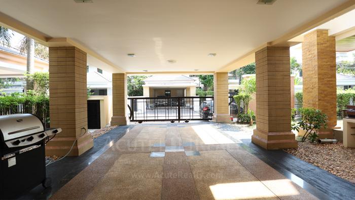House  for sale & for rent Pattanakarn - Srinakarin image14