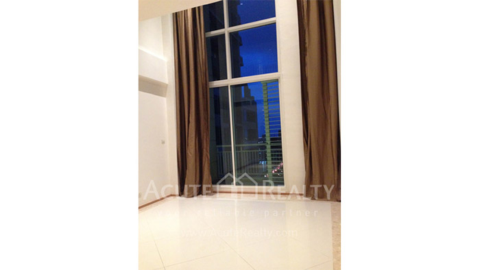 Condominium  for sale & for rent The Empire Place  Narathiwas-Sathorn rd. image2