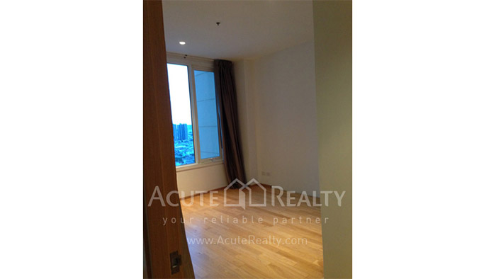 Condominium  for sale & for rent The Empire Place  Narathiwas-Sathorn rd. image3