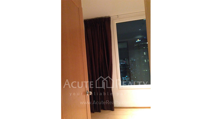 Condominium  for sale & for rent The Empire Place  Narathiwas-Sathorn rd. image4