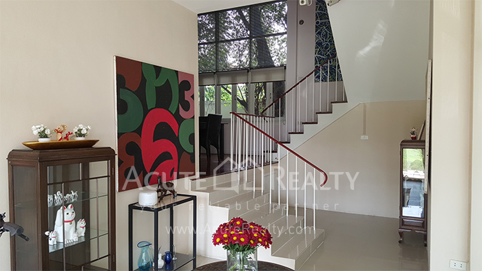 House, Home Office  for sale Sutthisarnvinitchai Rd.(Intamara 3)  image2