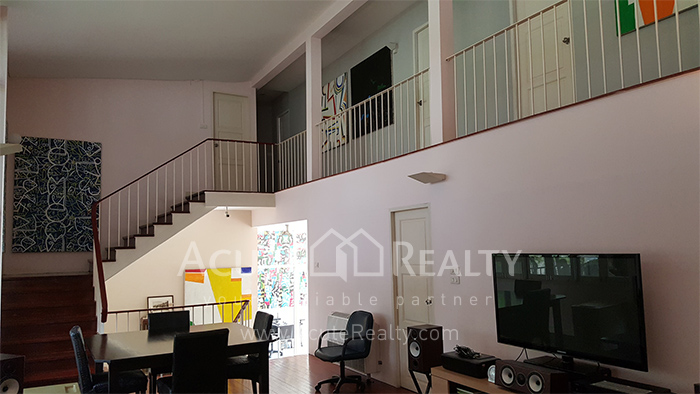 House, Home Office  for sale Sutthisarnvinitchai Rd.(Intamara 3)  image5