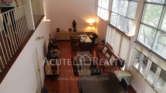 House, Home Office  for sale Sutthisarnvinitchai Rd.(Intamara 3)  image6