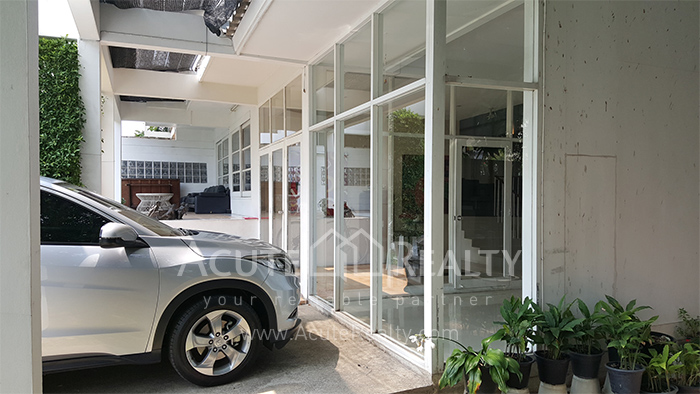 House, Home Office  for sale Sutthisarnvinitchai Rd.(Intamara 3)  image10