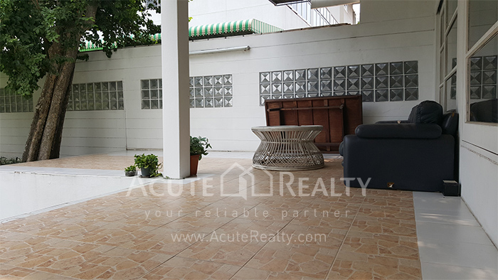 House, Home Office  for sale Sutthisarnvinitchai Rd.(Intamara 3)  image11