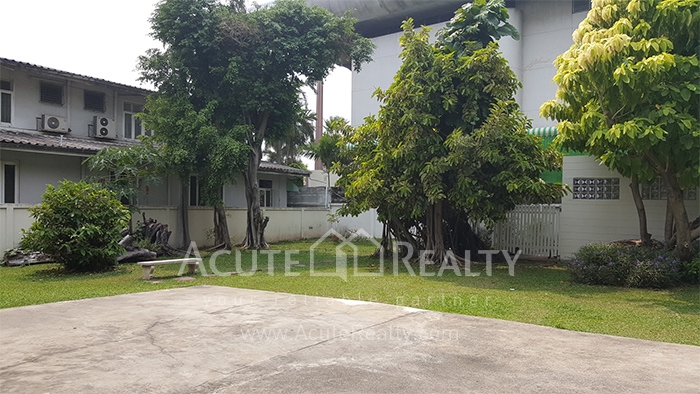 House, Home Office  for sale Sutthisarnvinitchai Rd.(Intamara 3)  image13