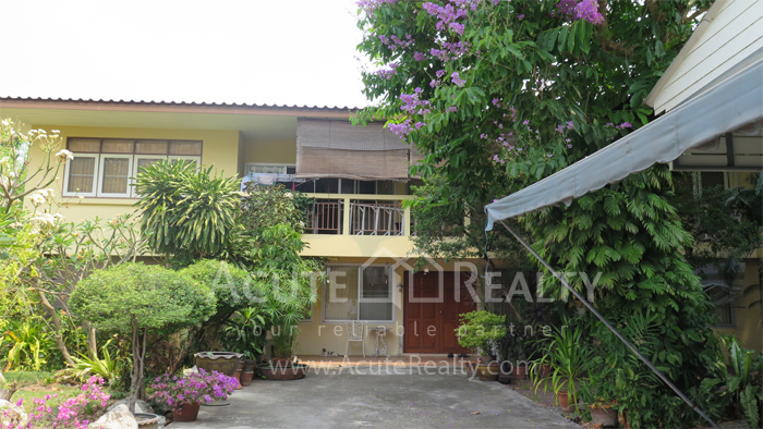 房屋, 家庭办公室  for rent Soi Intramara, Saphankwai image5