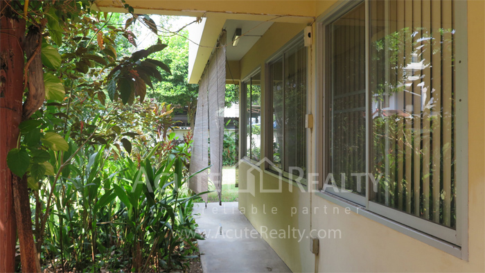 房屋, 家庭办公室  for rent Soi Intramara, Saphankwai image10