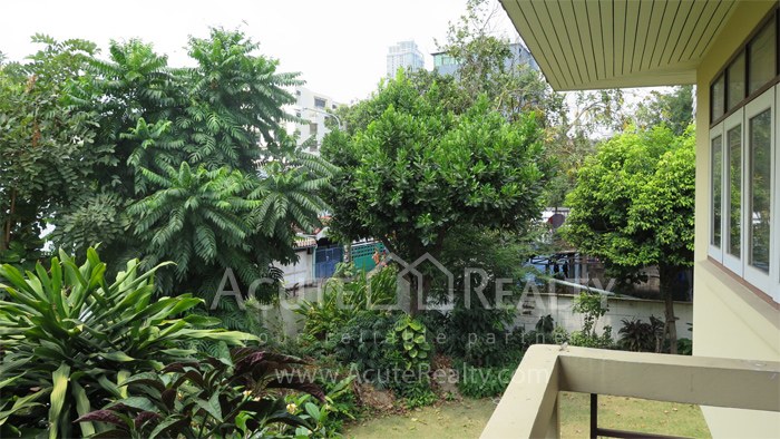 房屋, 家庭办公室  for rent Soi Intramara, Saphankwai image28