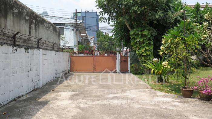 房屋, 家庭办公室  for rent Soi Intramara, Saphankwai image35