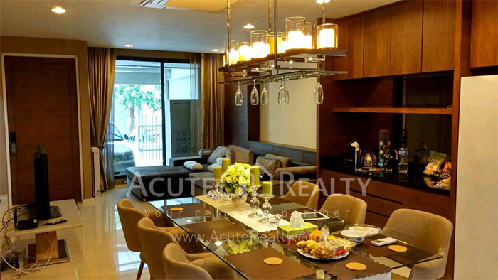 Townhouse  for sale Pattanakarn Road image2