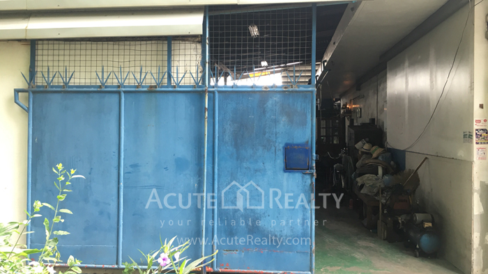 Shophouse, Land, Warehouse  for sale Sukhumvit 95/1 image1