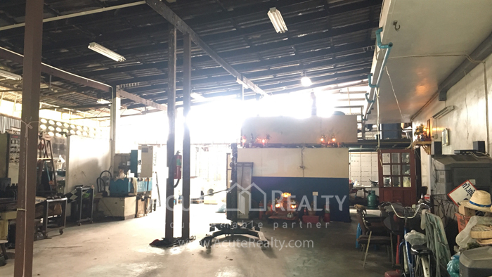 Shophouse, Land, Warehouse  for sale Sukhumvit 95/1 image4