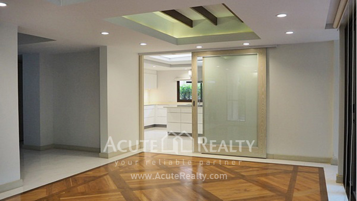 House  for rent Yen Akat Rd. image6