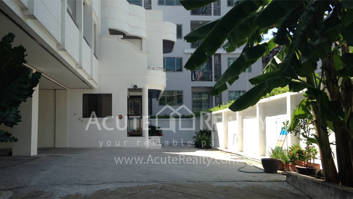 Apartment, Home Office, Office Building  for rent Sukhumvit 107 (Baering) image1