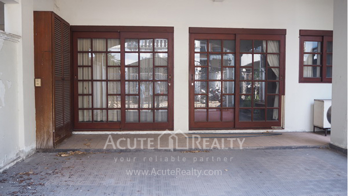 Townhouse  for sale Narathiwas-Chan Rd. image2