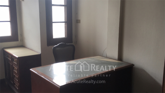 Townhouse  for sale Narathiwas-Chan Rd. image9