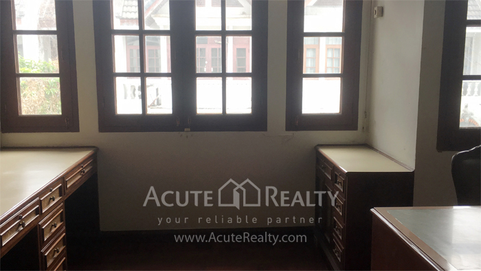 Townhouse  for sale Narathiwas-Chan Rd. image10
