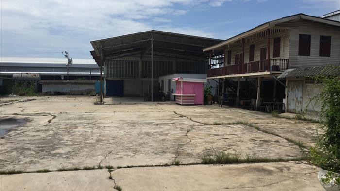 Land, Factory, Warehouse  for sale Suksawat Road image1