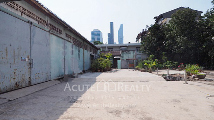 Land  for sale Naret road, Khet Bang Rak  image1