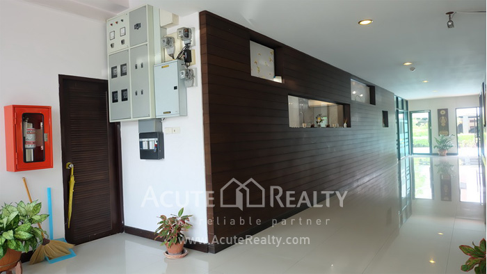 House, Home Office, Office Building, Showroom  for rent Ekamai image3