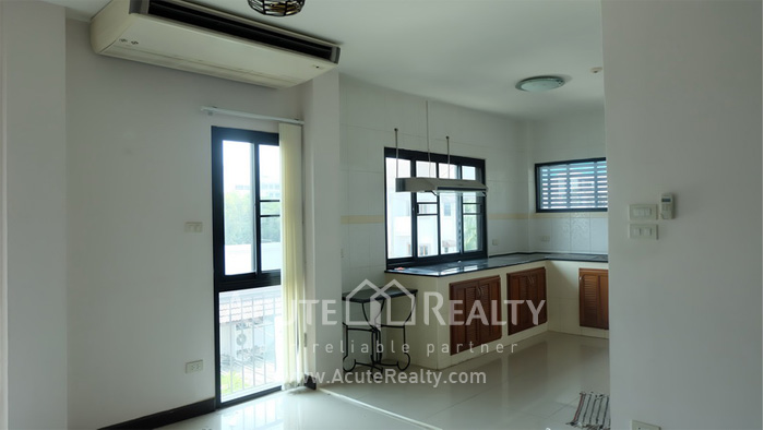 House, Home Office, Office Building, Showroom  for rent Ekamai image11