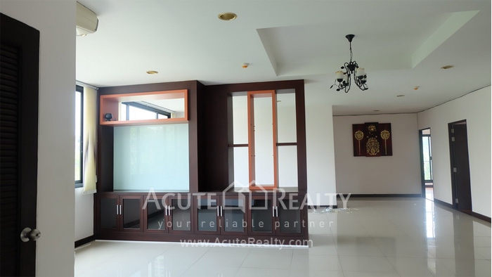 House, Home Office, Office Building, Showroom  for rent Ekamai image13