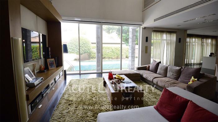 House  for sale Pradist Manudharm Road Yothin Pattana 9 image0