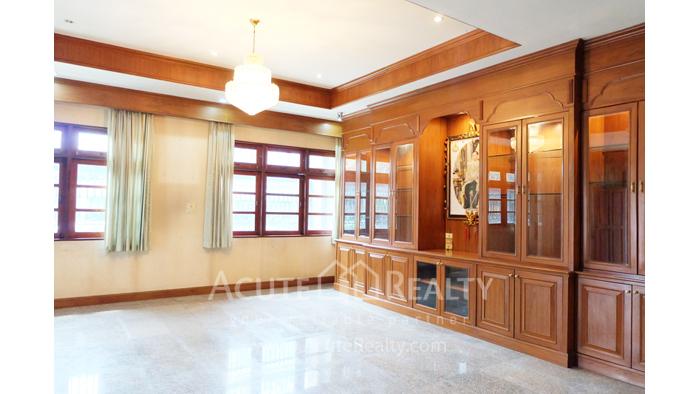 家庭办公室, 办公楼  for rent บางนา image0