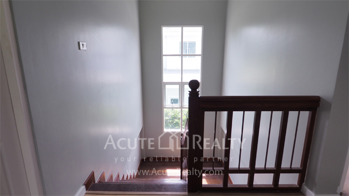 House  for sale Yothin Phatthana Rd. image13