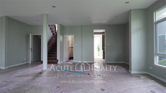 House  for sale Yothin Phatthana Rd. image15