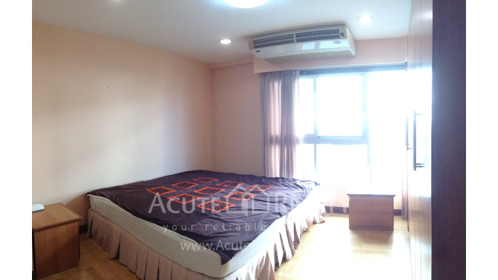 Condominium  for sale Navin Court Ruamrudee image2