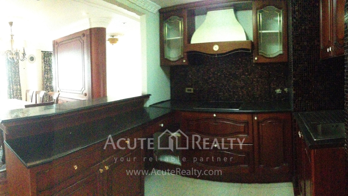 Condominium  for sale Navin Court Ruamrudee image3