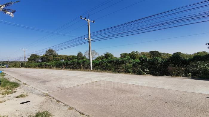 Land  for sale & for rent On 331 Road, Nongkham, Sriracha.  image4