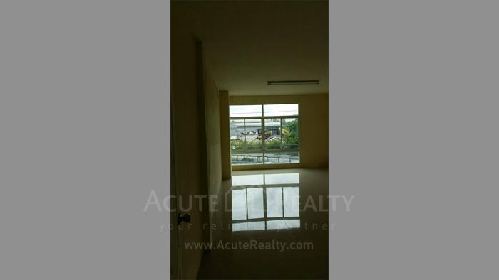 店屋  for sale & for rent Moo 5, Ban Khao Kha Yai, Bo Win, Sriracha, Chonburi. image5
