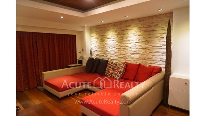 Condominium  for sale State Tower Silom image2