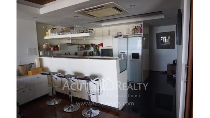 Condominium  for sale State Tower Silom image8