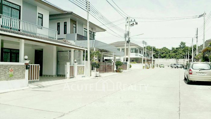 House  for rent Soi Wat kaotangon, Wang Hin, Sriracha, Chonburi. image1