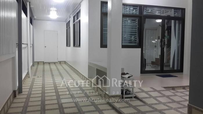 House  for rent Soi Wat kaotangon, Wang Hin, Sriracha, Chonburi. image2