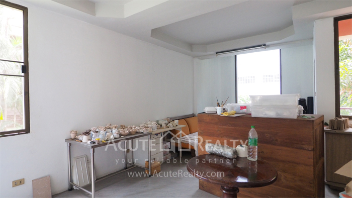 House, Home Office  for sale & for rent Sukhumvit 64 image5