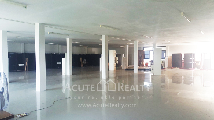 Land, Factory, Warehouse  for sale Ratchburi image9