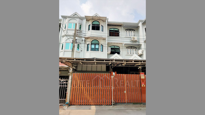 Townhouse  for sale Charoen Nakorn 40 image0